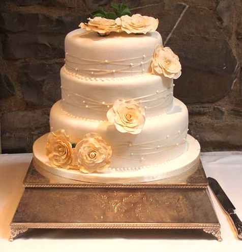 Sam Wedding Cake.Cream Wedding Cake By Sam Delahunty Co Wicklow Wedding Dress Ink