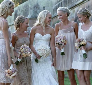 Average spend on Bridesmaid dresses is €550. Image courtesy of Pinterest and wed bits.com